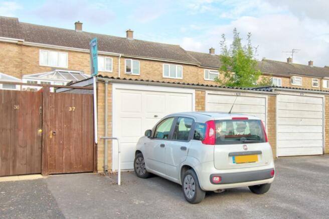 Garage and driveway (2)