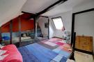 Attic room with crown post