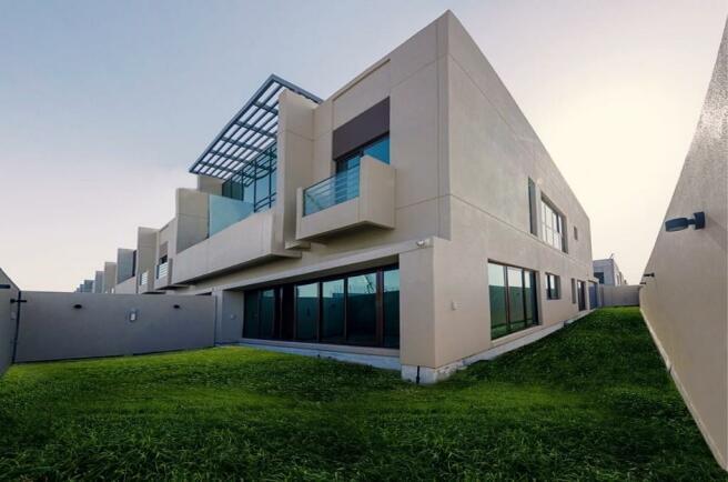 4 bedroom villa for sale in Dubai, UAE / Dubai