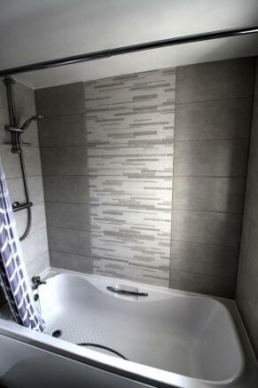 12 Linton Plc Bathroom 1