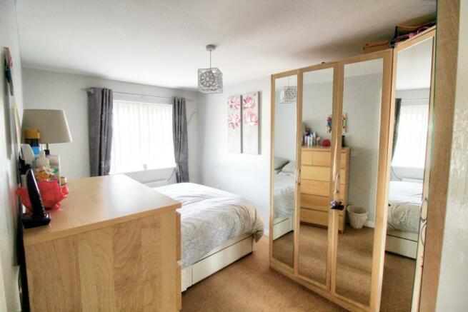 12 Linton Plc Bedroom1.1