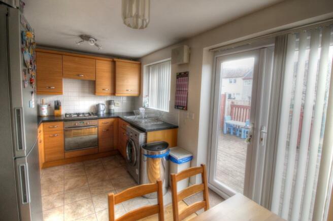 12 Linton Plc Kitchen 2