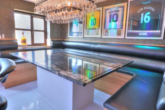 Bar room 2
