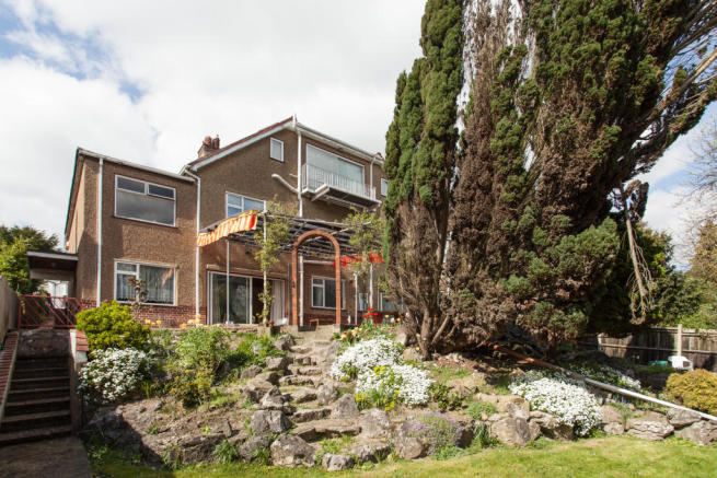 5 Bedroom Detached House For Sale In Pampisford Road