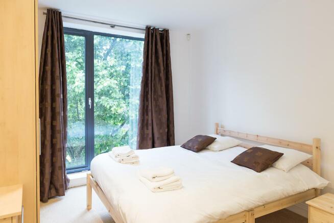 Main_bedroom_03