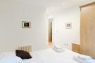 Main_bedroom_01