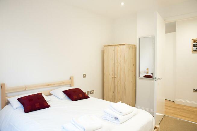 Second_bedroom_01