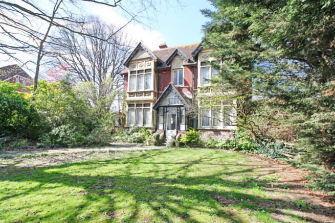 4 bedroom detached house for sale in portsmouth, hampshire, po2