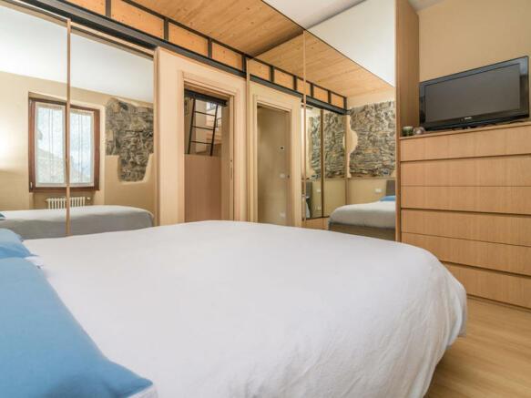 2 Bedroom Property For Sale In Lago Di Como Cernobbio Rovenna Italy