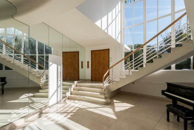 02 Round House Hall.jpg