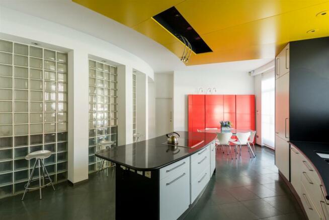 16 RH Kitchen.jpg