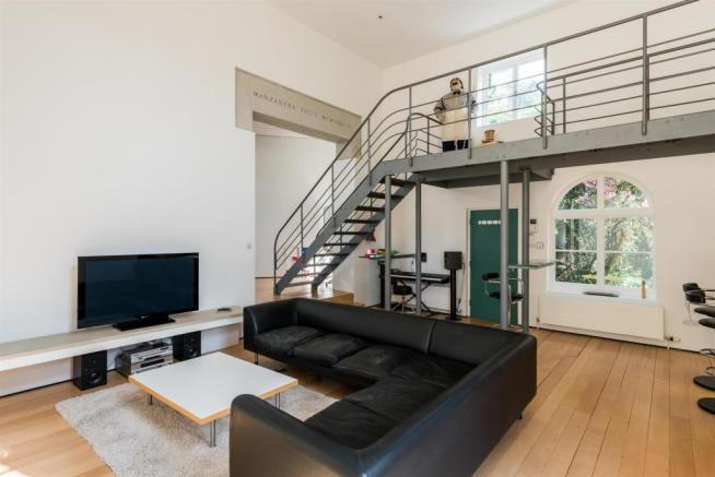 25 CH Living Room.jpg