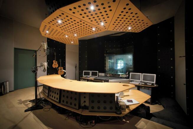 28 CH Control_Media Room.jpg