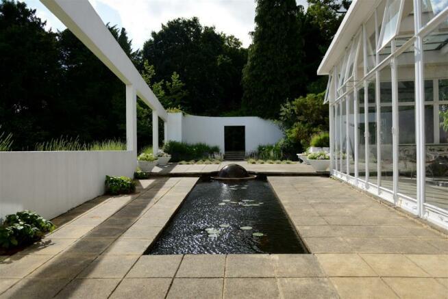 31 RH Tunnard Garden.jpg