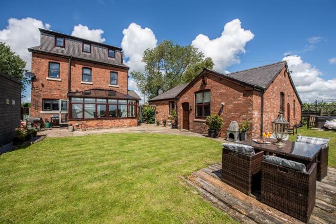 House & Garden Residence