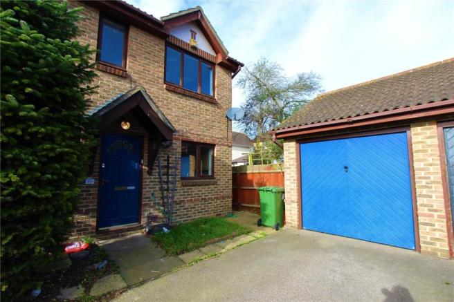 3 Bedroom Semi Detached House To Rent In Terence Webster