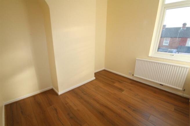 14 Goschen St Bedroom 2.JPG