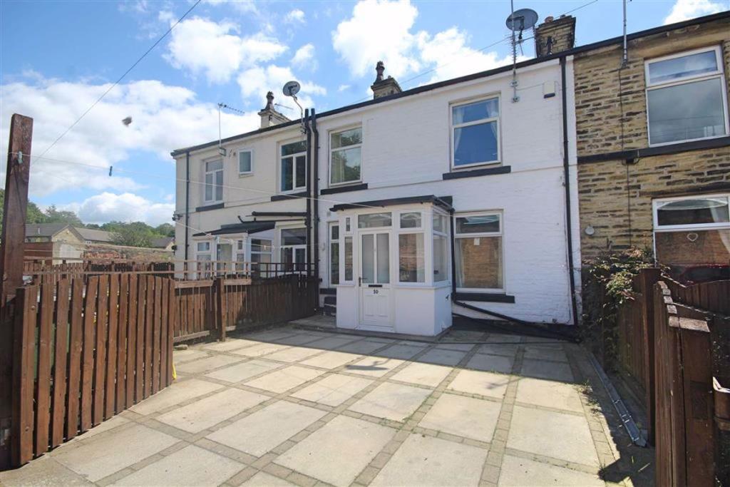 2 bedroom terraced house  Thornton Street, Cleckheaton