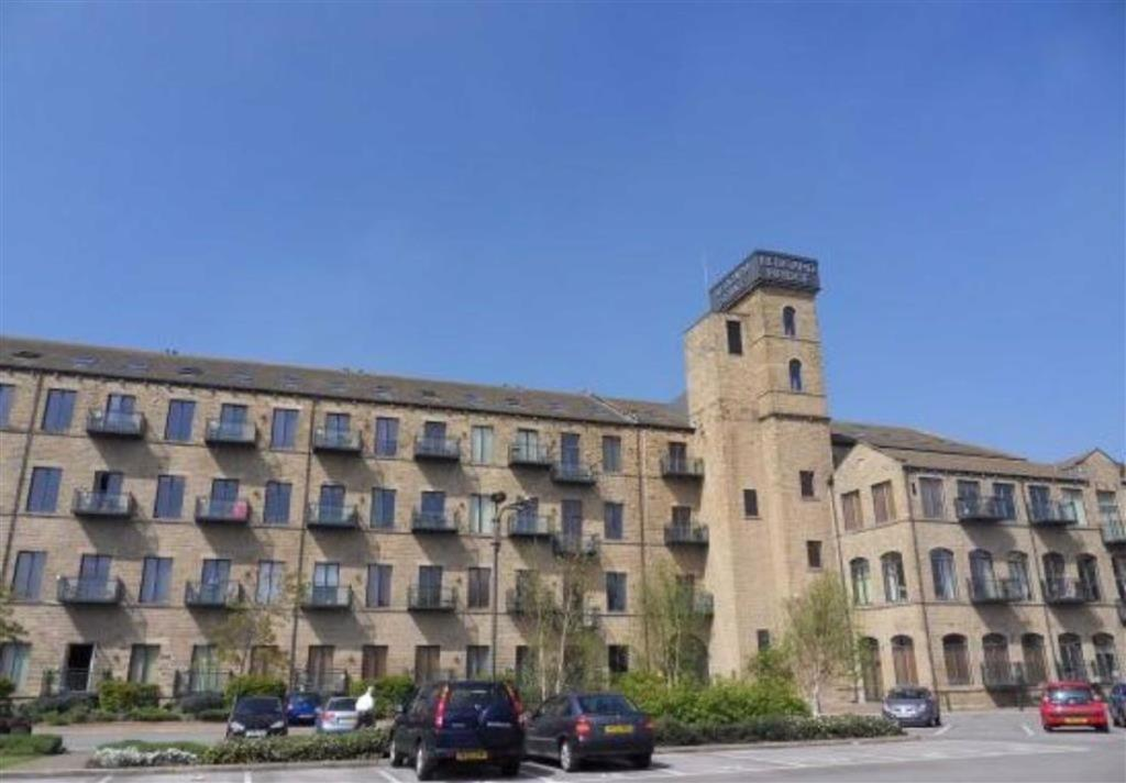 1 bedroom apartment  Ledgard Wharf, Mirfield