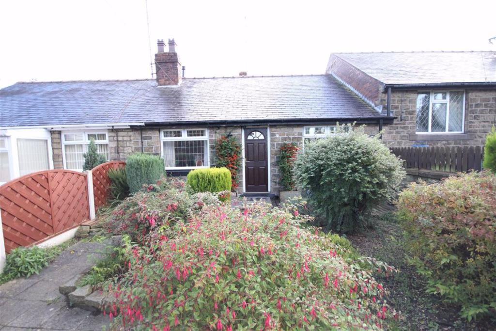 2 bedroom bungalow  Headlands Road, Liversedge