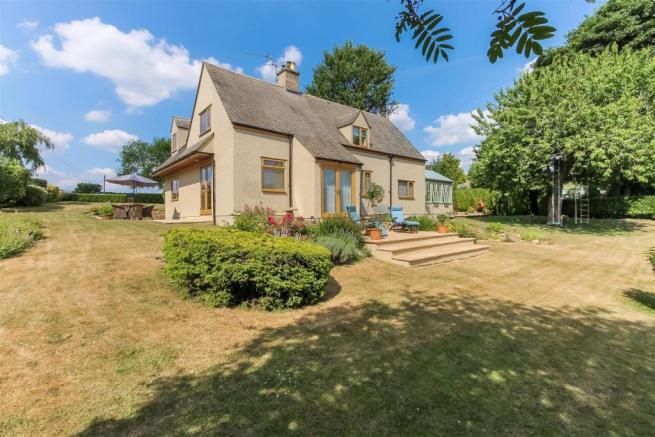 4 Bedroom Detached House For Sale In Compton Abdale Nr Cheltenham