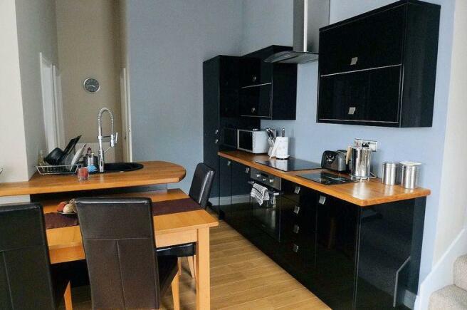 2b kitchen diner