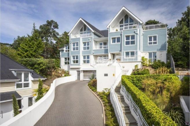Munster Road, Lower Parkstone, BH14 9PS