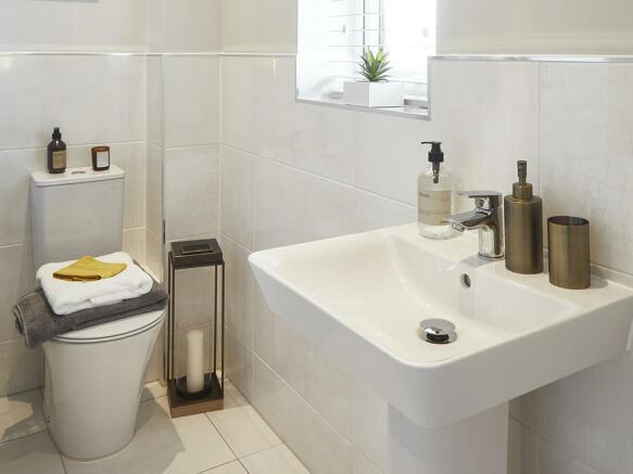 En-suite shower room with Porcelanosa tiles