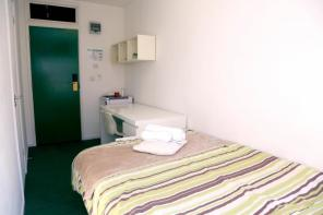 Photo of 1 bedroom property in Crendon Street, High Wycombe