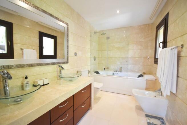 en-suit bathroom