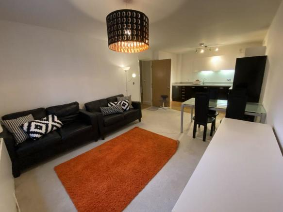 Thumbnail BIRMINGHAM, UPPER MARSHALL STREET, POSTBOX: **Viewing is recommended** This Well presented Two bedroom apartment is available to rent. The property offers two double bedrooms, master bedroom with ensuite shower over bath, second double bedroom, additional shower room, a good size lounge/dining wi...