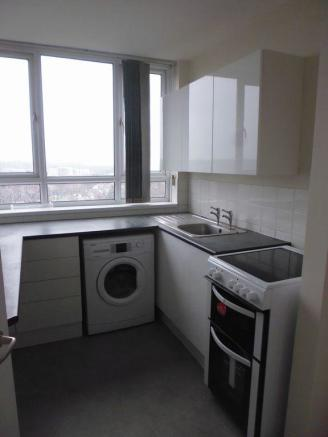 Thumbnail EDGBASTON, PERSHORE ROAD, ELMWOOD COURT: An Unfurnished One bedroom apartment located in a popular residential location and having easy access to City Centre and surrounding areas. The apartment benefits from double glazing and being situated on the 10th floor has views over the city. Offering ...