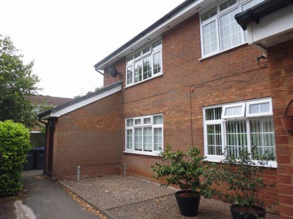 Thumbnail SELLY OAK, RADDLEBARN FARM DRIVE: This extremely Well presented One bedroom Furnished first floor maisonette is located in a residential development. The property offers stairs leading to lounge, fitted kitchen with a range of appliances, double bedroom with built in wardrobes and bathroom with s...