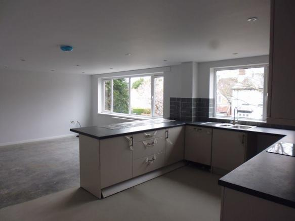 Thumbnail OLTON, ULVERLEY GREEN ROAD, ULVERLEY COURT: This Superb Refurbished Second Floor Three bedroom apartment is within walking distance from Olton Train Station,a short commute to Solihull/Birmingham City Centre. This Unfurnished spacious apartment offers a secure communal entrance, reception hall wi...