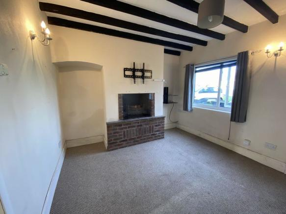 Thumbnail SWADLINCOTE, WOODVILLE, HIGH STREET **New to the market A Two bedroom Well Presented Terraced House** offers lounge, fitted kitchen with access stairs to the first floor offering two good size bedrooms & ground floor bathroom with shower over bath. Rear garden with lawn and paved area, gated acce...