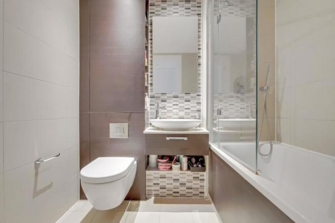 5_Bathroom-0