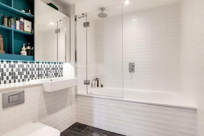 12_Bathroom_6
