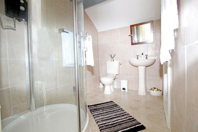 Bedroom 3 En Suite.jpg
