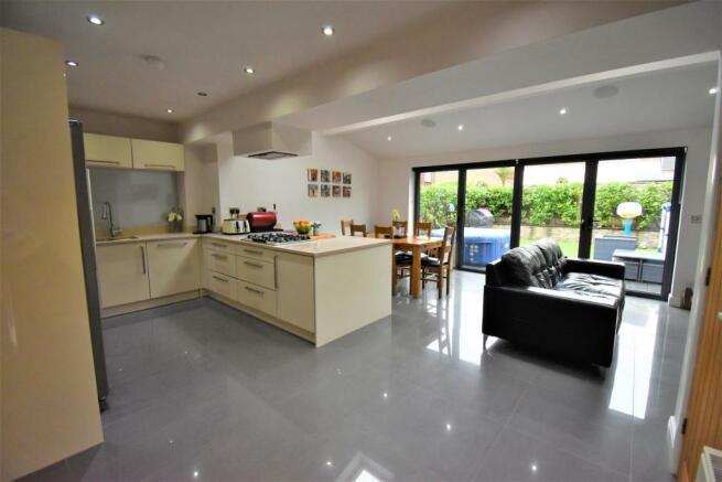Kitchen /Diner/ family room
