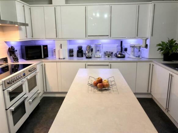 west end kitchen 2.jpg