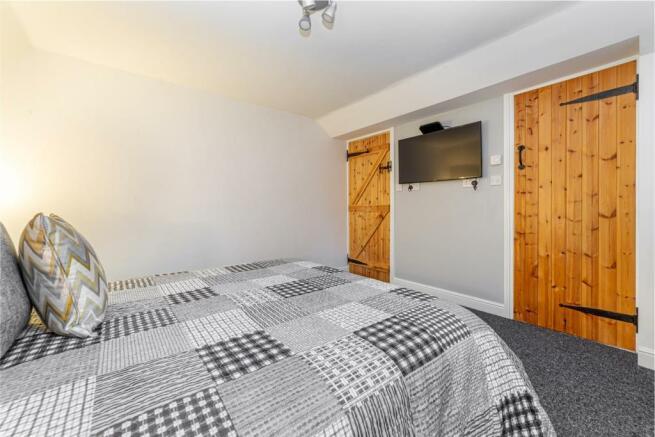 Bedroom-1-3.jpg