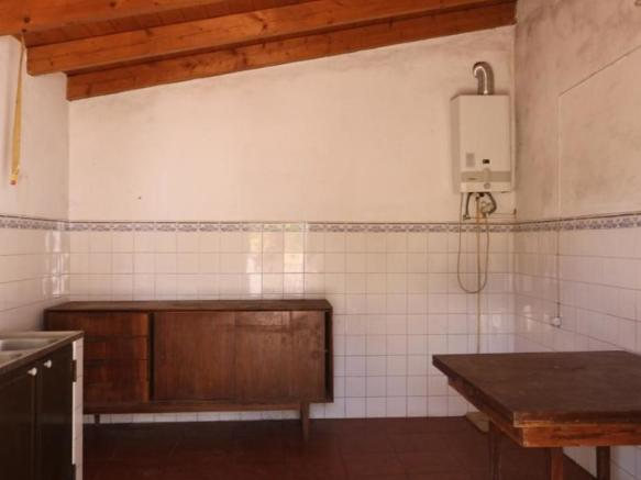 Country house to recover, with land, in a quiet area, Tavira