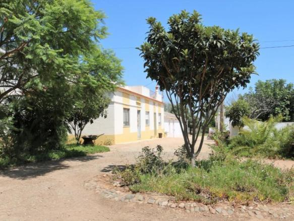 Farm with house in Tavira