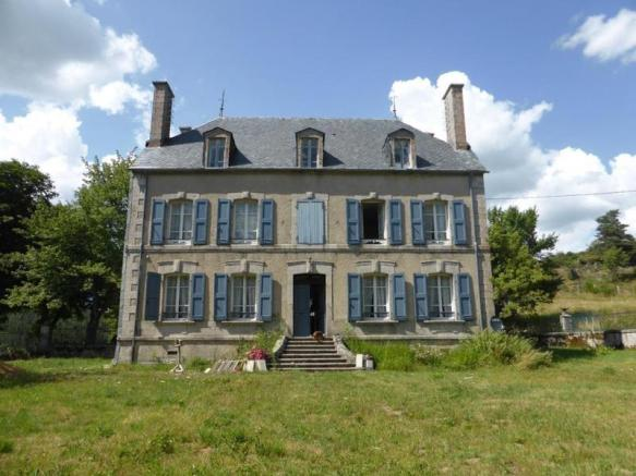 8 Bedroom House For Sale In Auvergne  Cantal  Chaudes