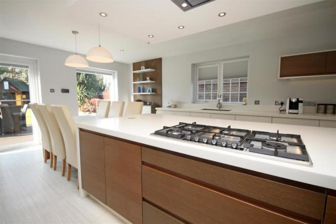 Magnificient Dining Kitchen