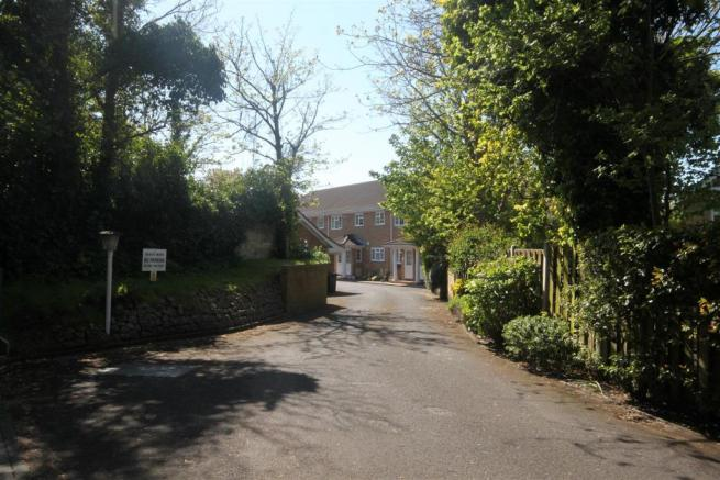 Private Entrance to Beach Mews