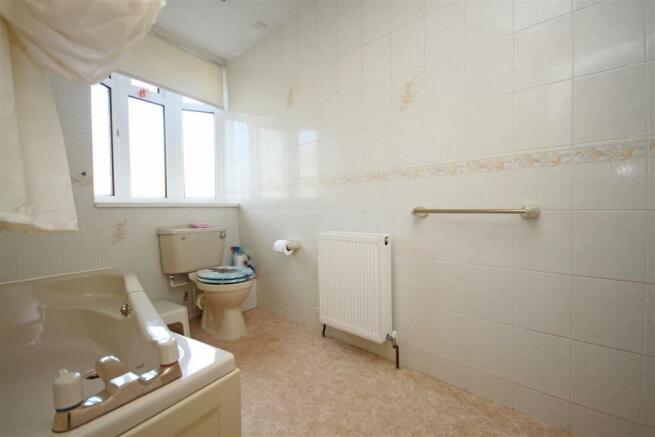 Ground Floor Bathroom/Wc