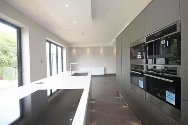 Family Lounge/Dining Kitchen