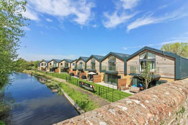 3 Bedroom Terraced House For Sale In Tring Road Wilstone Hp23