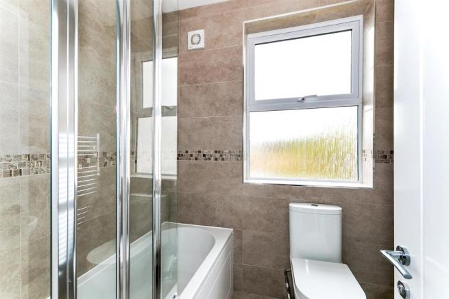 _MG_5234 Bathroom-Edit.jpg